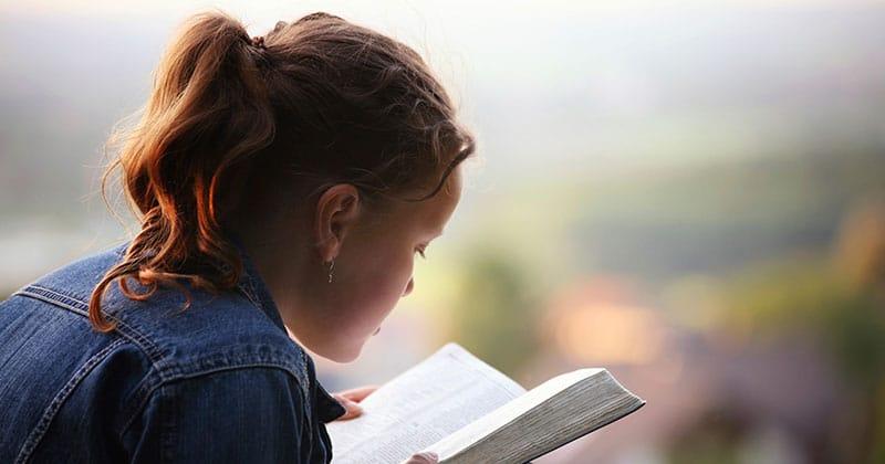 Daughter reading